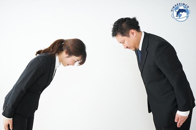 Phong cách làm việc của người Nhật Bản - Tôn trọng tiền bối