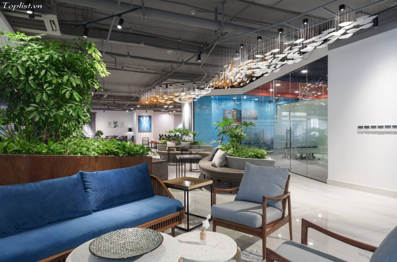 Văn phòng làm việc của Y-nest được thiết kế không gian cực kì bắt mắt, thân thiện với thiên nhiên