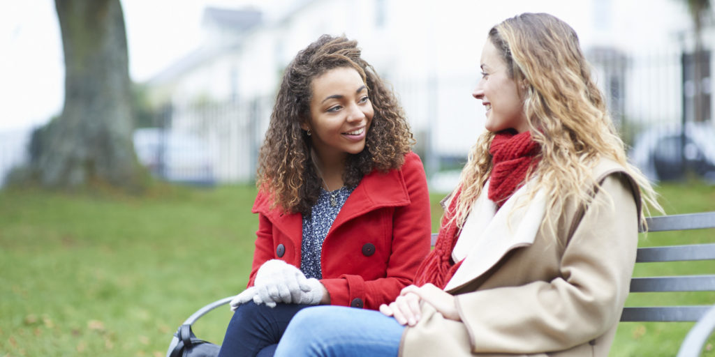 Cách bắt chuyện với người mới quen