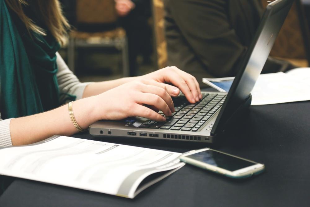 tìm việc làm thêm tại nhà qua mạng