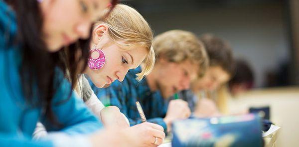 Tiêu chuẩn về trình độ học vấn