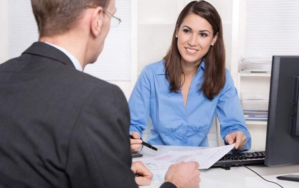 Hãy giải thích cho khách hàng hiểu tầm quan trọng của bảo hiểm nhân thọ