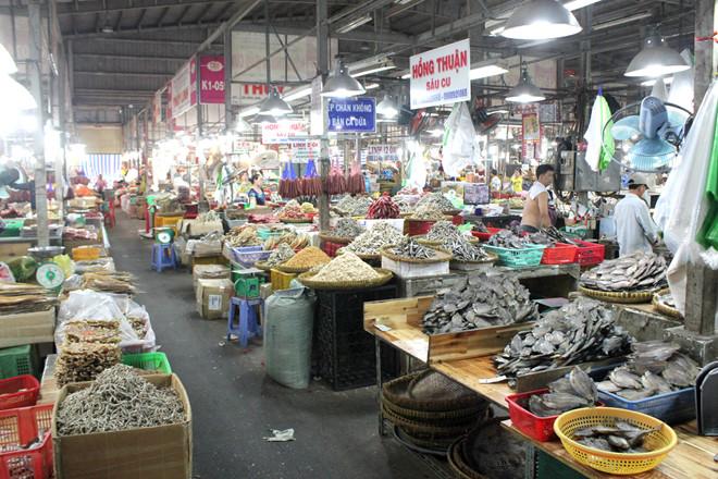 Chợ đầu mối (chợ lấy nguồn hàng hải sản khô) lớn nhất Sài Gòn (Miền Nam)