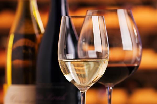 Cách phục vụ rượu vang
