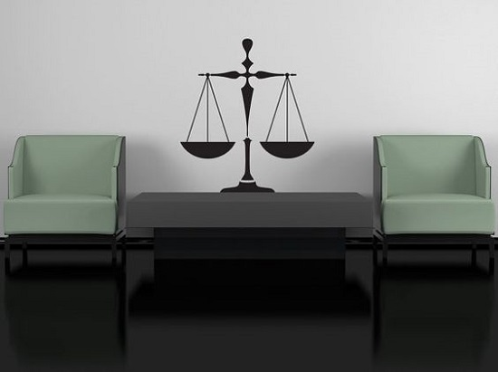 Cần gì để xin việc làm ngành Luật thành công?