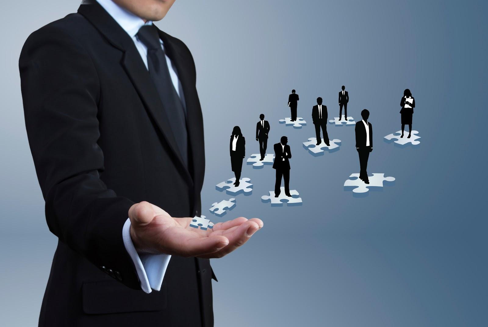 Điểm khác biệt giữa tự tuyển dụng & dịch vụ tuyển dụng nhân sự?