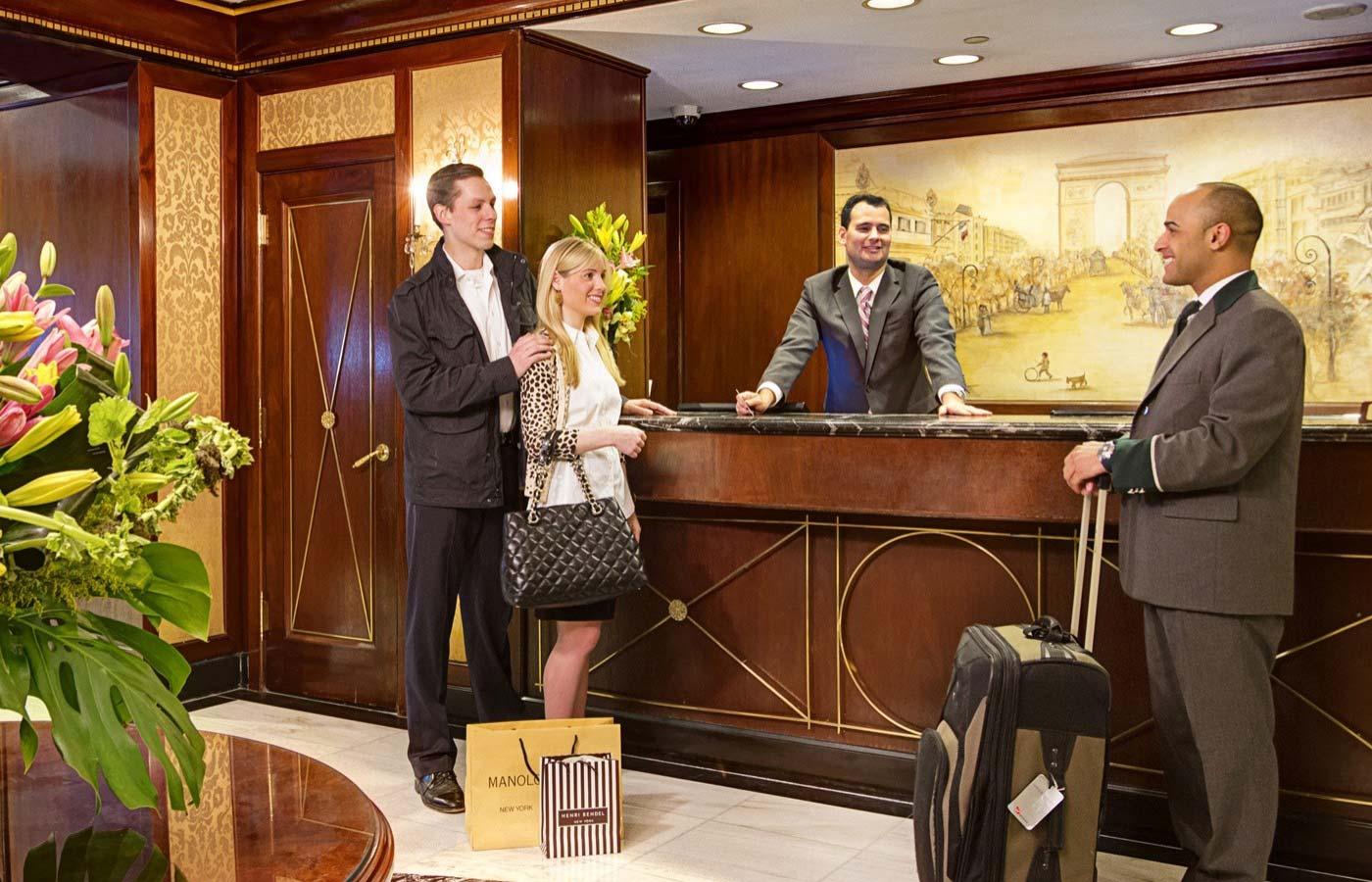 Lễ tân khách sạn cần có những kinh nghiệm gì?