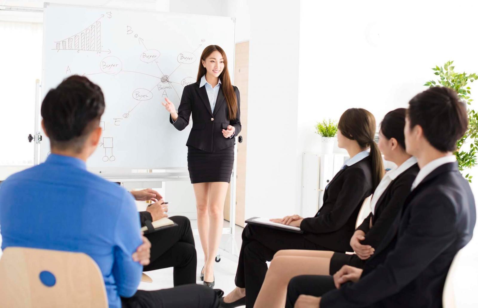 10 bí quyết giúp bạn cải thiện kỹ năng thuyết trình trước đám đông