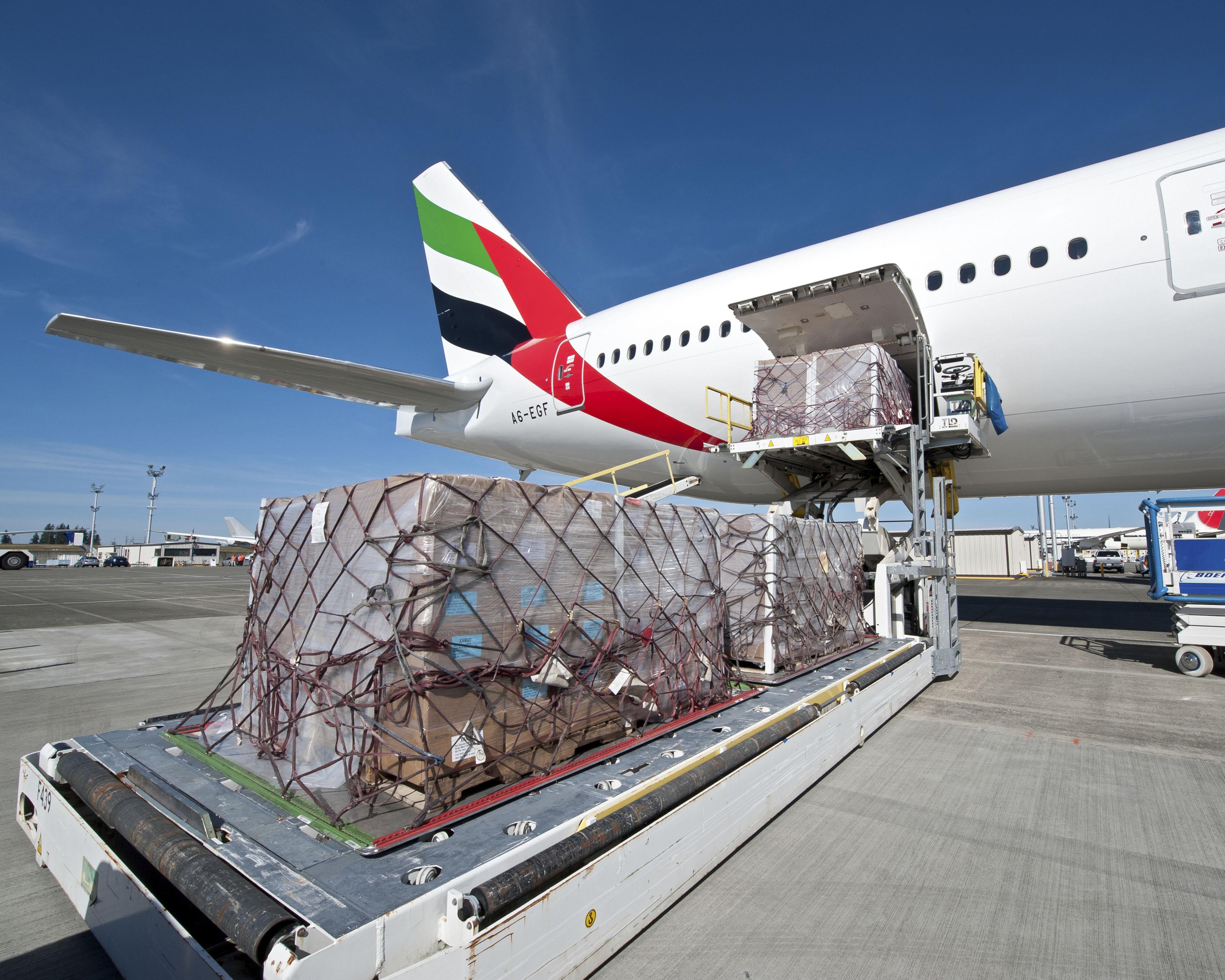 Vận chuyển hàng hóa bằng đường hàng không - DHD Logistics