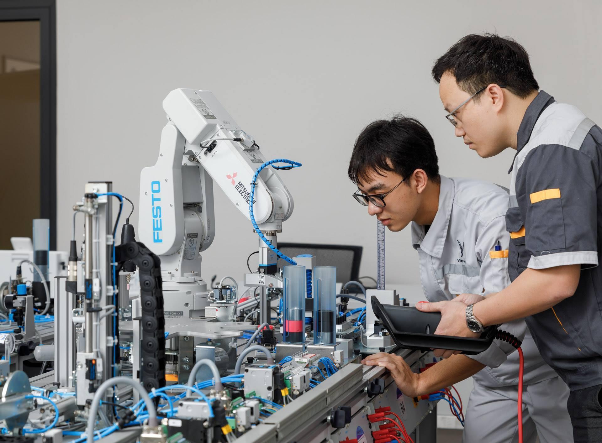 VinFast hợp tác với 5 trường Cao đẳng chuyên nghành kỹ thuật ô tô